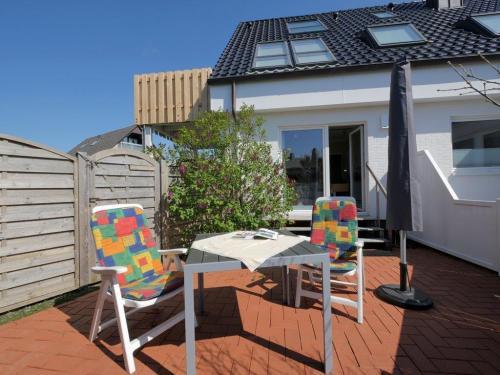 App 1 Terrasse mit Gartenmöbel